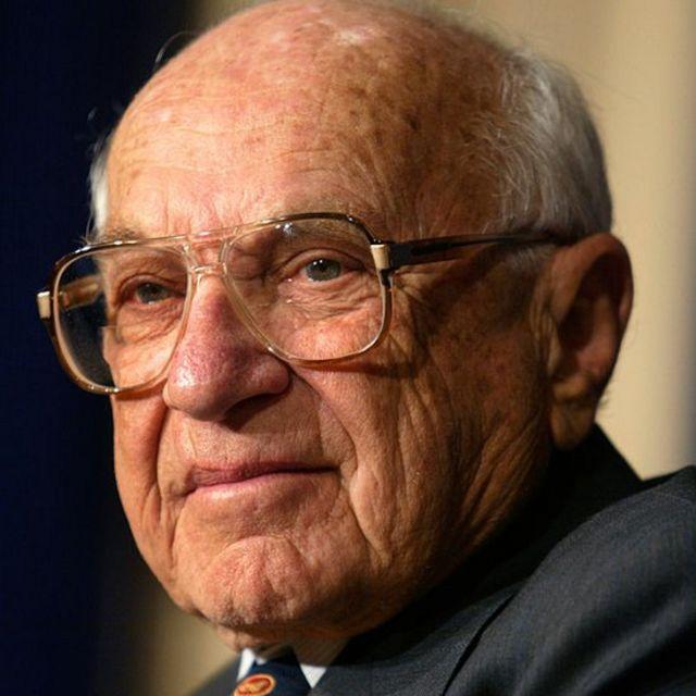 """Milton Friedman es considerado el ideólogo del """"capitalismo de los accionistas""""."""