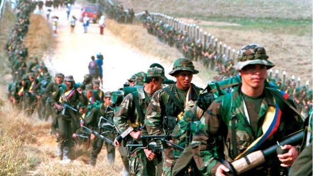 Guerrilheiros das FARC em janeiro de 1999