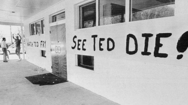 Cartel sobre la ejecución de Ted Bundy