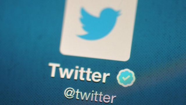 Twitter warns of government 'hacking'