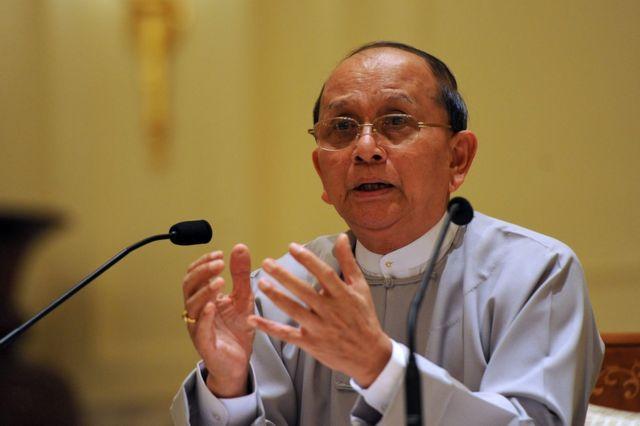 ティン・セイン氏(写真は2012年、ネピドーの大統領官邸で)