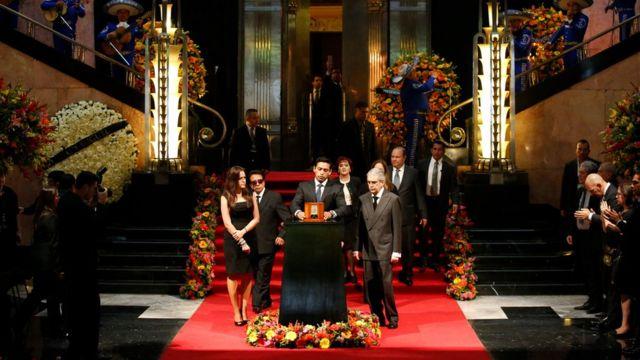 Los restos de Juan Gabriel en el Palacio de Bellas Artes
