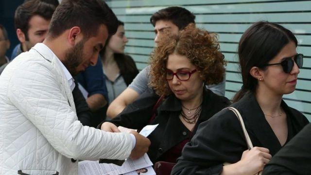 Turks queue for visas
