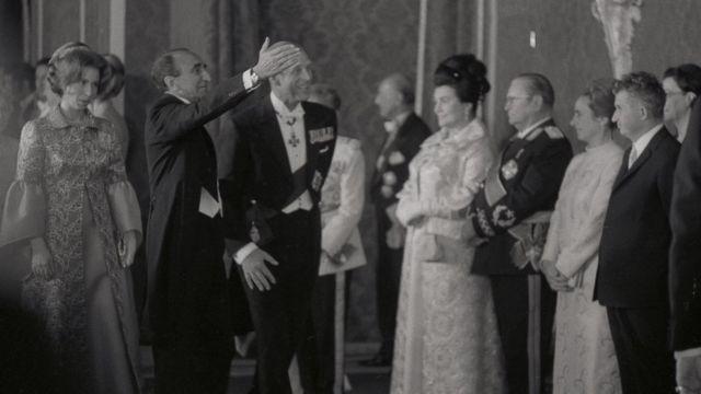 چائوشسکو و همسرش در جشن های ۲۵۰۰ ساله