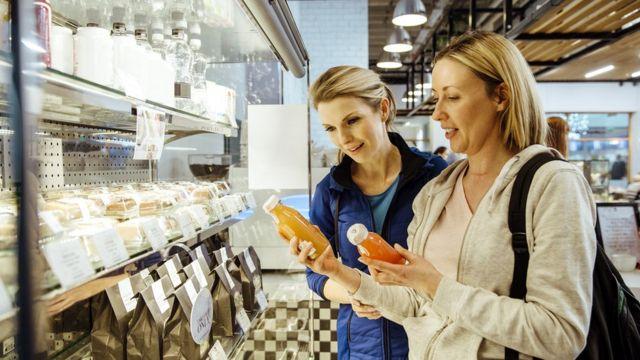 Индустрия по продаже продуктов и напитков, которые она объявила здоровыми, паразитирует на модном тренде здорового образа жизни