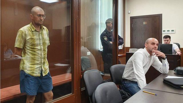 Евгений Коваленко с адвокатом