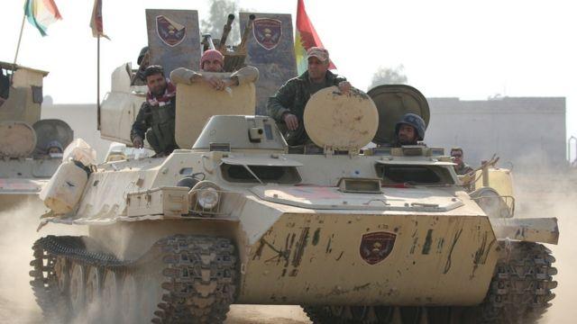 دبابة تابعة لقوات البيشمركة الكردية في بعشيقة