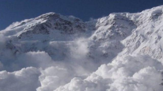 Кыргызгидрометтин маалыматына караганда февраль айынын онуна чейин жааган кар айлык өлчөмдөн ашкан.