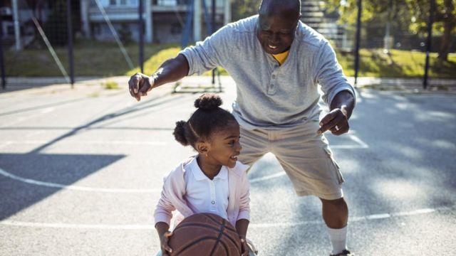 انسانها با بالارفتن سنشان یادمیگیرند چطور با نقاط قوت و ضعف خود کنار بیایند