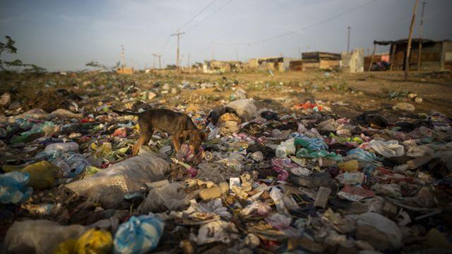 Botadero de basura en La Guajira, Colombia