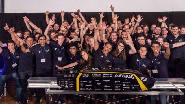 Musk promises '10km Hyperloop tunnel' in 2020