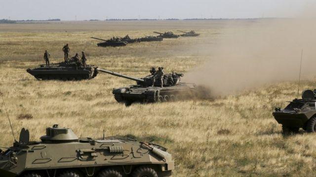 Украинские танки на границе с Крымом