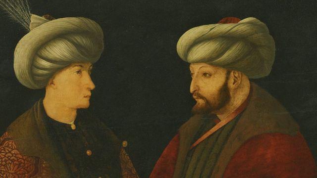 السلطان محمد الفاتح (يمين)