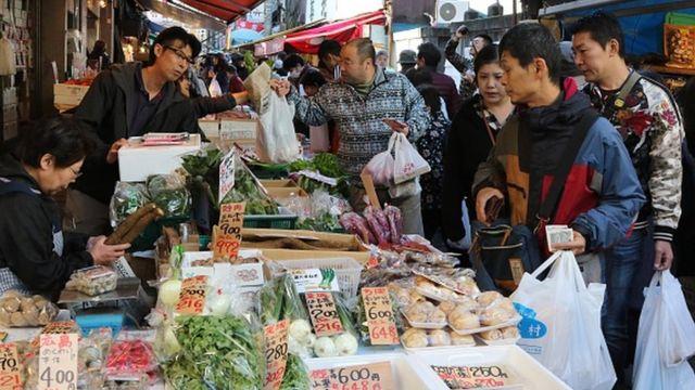 個人消費は日本経済の約6割を占める