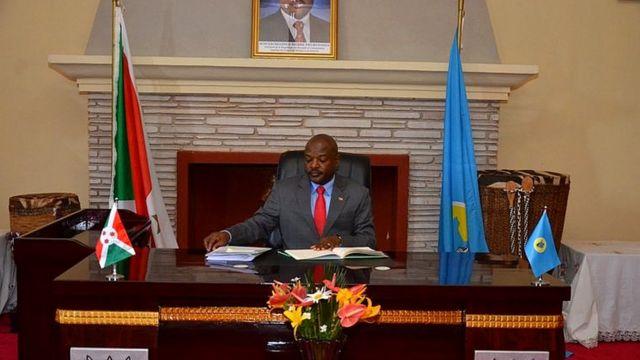 Inama y'abashikiranganji irongowe na Prezida Pierre Nurunziza niyo yafashe ingingo yo kuva muri CPI