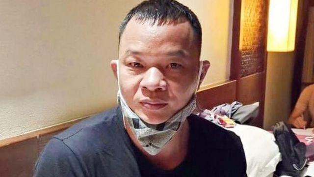 Cao Lượng Cố (quốc tịch Trung Quốc) bị Công an Đà Nẵng cáo buộc cầm đầu đường dây đưa người nước ngoài nhập cảnh trái phép vào Việt Nam.