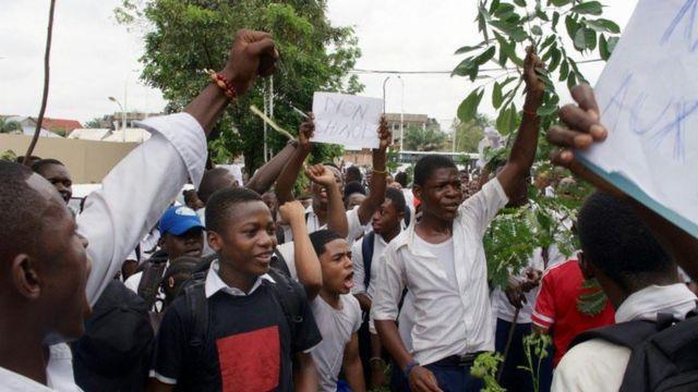 Des étudiants de l'Institut La Gombe protestent contre l'octroi d'un terrain à l'ambassade de Chine en RDC.