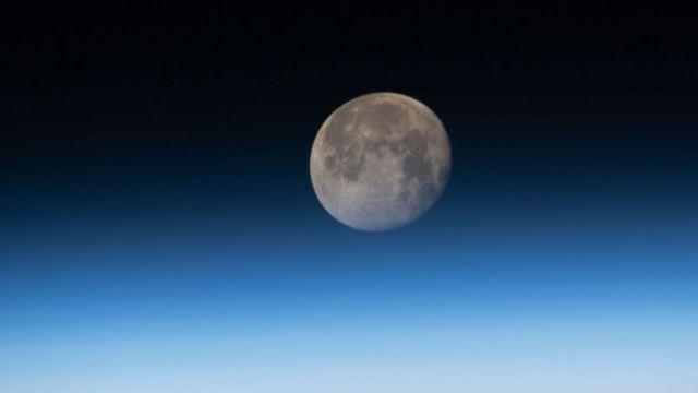Luna vista desde la Espación Estacial Internacional