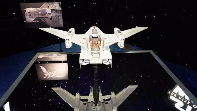 مدلی از سفینه پورشه در مراسم فرش قرمز فیلم جنگ ستارگان در لسآنجلس نمایش داده شد