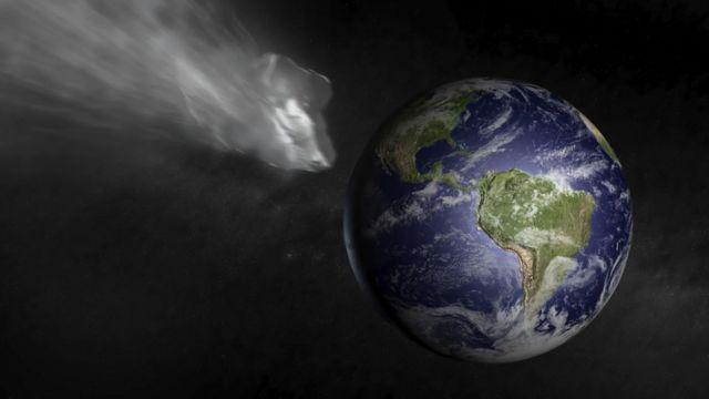 A gray meteor shot towards Earth.