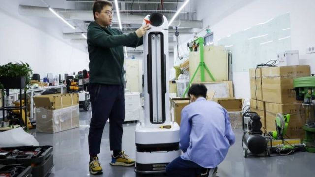 深圳的優艾智合機器人公司已經研發出消毒機器人