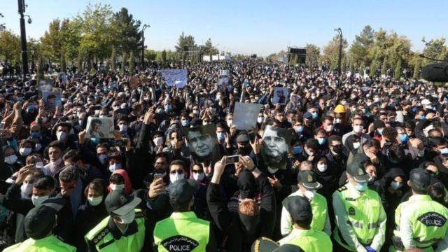 محمدرضا شجریان با آواز ربنایی که خودش خوانده بود به خاک سپرده شد