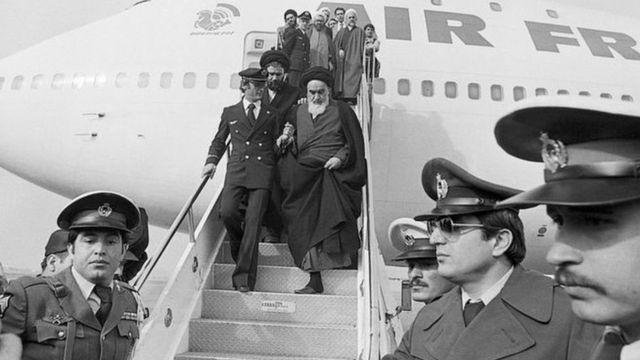إيران تحتفل بالذكرى الـ42 للثورة: إسرائيل أول مَن تنبأ بسقوط الشاه لكنها لم تبلغ الأمريكيين ـ وثائق بريطانية