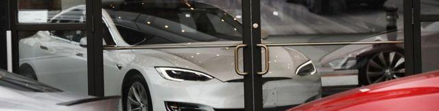 Un auto de Tesla.