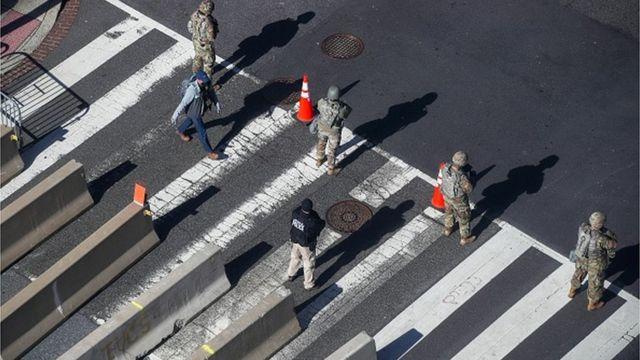 Напередодні інавгурації Байдена у Вашингтоні з'явився блокпост