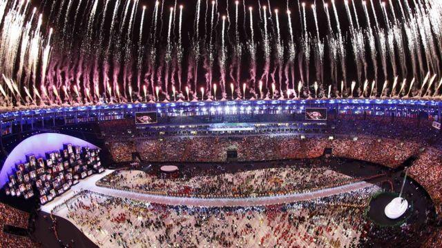 """Церемония открытия Олимпиады проходила на стадионе """"Маракана"""" в Рио"""