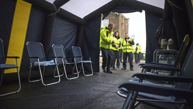 چادری که پناهجویان در بدو ورود به آن منتقل میشوند