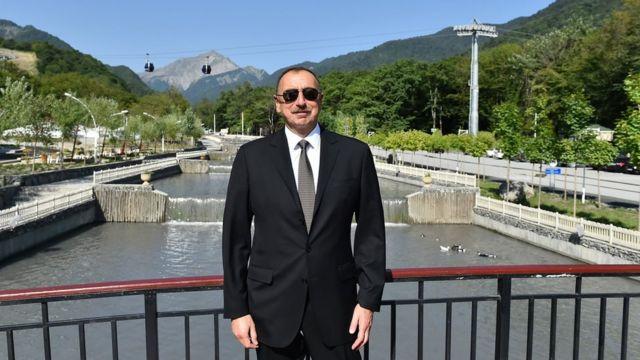 """İlham Əliyev """"Qəbələ"""" Park-Bulvar Kompleksində"""