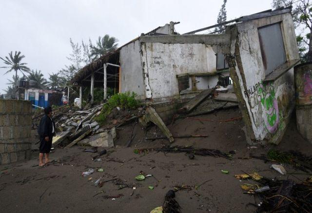 El huracán Grace deja al menos ocho muertos en México - BBC News Mundo