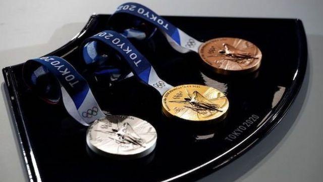تمامی مدالهای مسابقات المپیک و پارالمپیک توکیو از مواد بازیافتی الکترونیکی تهیه شدهاند