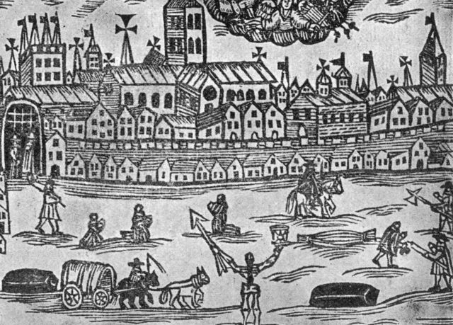 El ángel de la muerte preside Londres durante la Gran Peste, con un reloj de arena en una mano y una lanza en la otra.