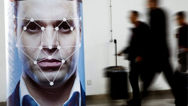 MPs call for halt to police's use of live facial recognition