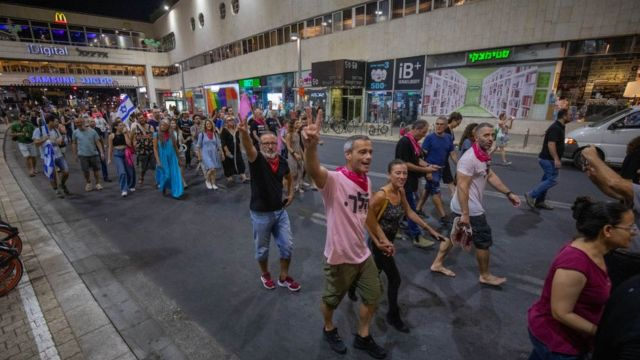 Israelis celebrating Netanyahu's departure.