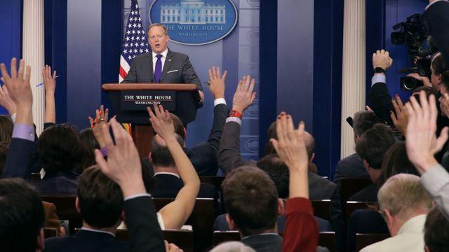 شون سبايسر المتحدث باسم البيت الأبيض