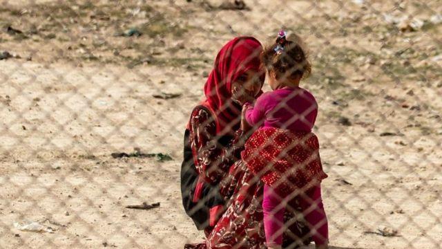 يضم مخيم الهول يضم حوالي 70 ألف شخص، معظمهم من النساء والأطفال