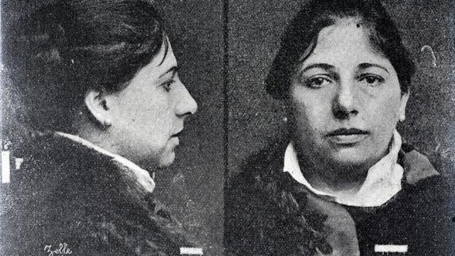 Foto policial de Mata Hari.