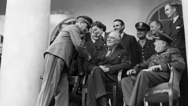چرچیل، روزولت و استالین در کنفرانس تهران ۱۹۴۳