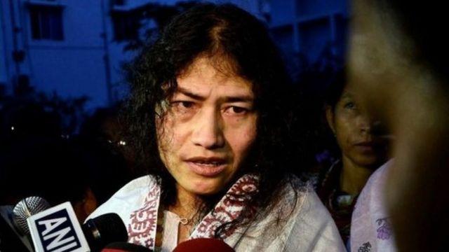 La militante des Droits de l'Homme lors d'une conférence de presse.