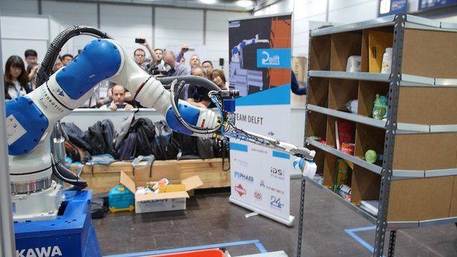 Robot arm wins Amazon's tech award