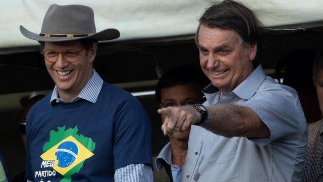 Ricardo Salles ao lado de Jair Bolsonaro