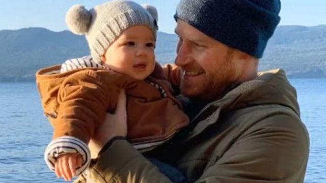 O príncipe Harry e seu filho, Archie