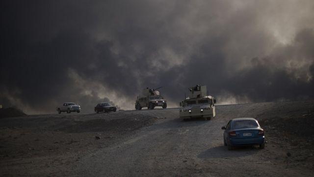 قوات عراقية تتقدم من القيارة لاستعادة بلدة حمام العليل الى الجنوب من الموصل