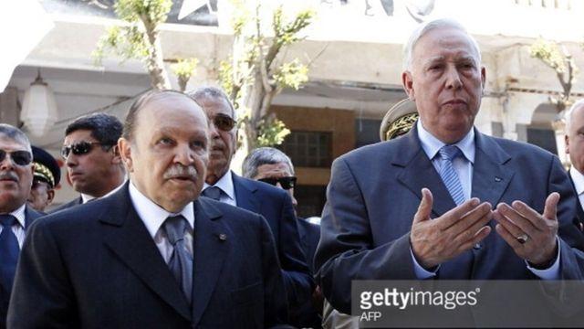 Des dirigeants français et algériens au 40ème anniversaire du massacre de Paris.