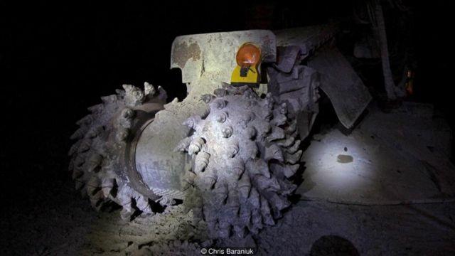 با استفاده از ماشینهایی از این دست، معدنچیان در ۲۴ ساعت، میتوانند ۴ متر سنگ را بتراشند