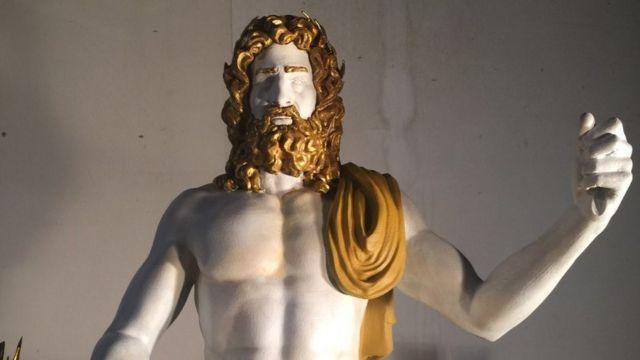 Копия статуи Зевса