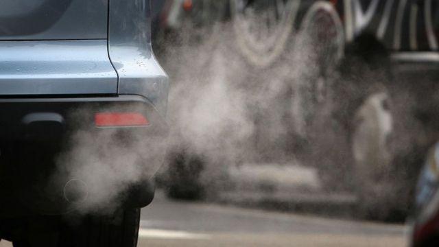 Los contaminantes vienen de la quema de combustibles.